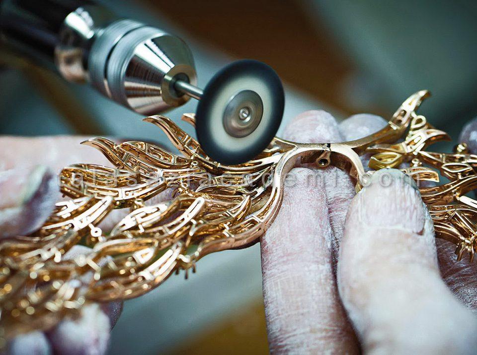 طلا و جواهرسازی